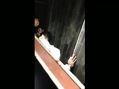 Муж азиатки подглядывает за её домашним сексом в постели с женатым соседом
