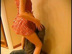 Молодая шлюха согласилась на домашний секс со зрелым клиентом в кредит