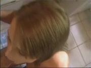 Шикарная немка с красивой киской в любительском видео изменяет супругу