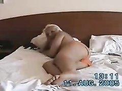 Загорелая блондинка с любовником для прелюдии пробует оральный секс в 69 позе