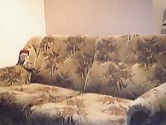 Негр в любительском видео энергично поимел зрелую немку с маленькими сиськами