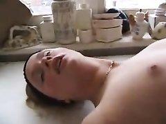 В лесбийском порно зрелая любовница ублажает молодую единомышленницу