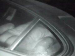 Скрытая камера запечатлела ночной секс озабоченного водителя и кудрявой дамы