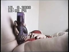 Упитанная британка в видео трахает киску любимым вибратором до оргазма