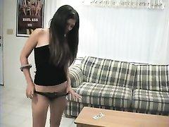 В домашнем порно худая турчанка дрочит киску и раздвигает ноги для партнёра