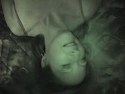 Зрелая немка с маленькими сиськами в любительском видео балдеет с негром