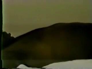 Зрелая немка для видео делает домашний минет негру с большим чёрным членом