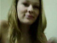Белая проститутка с любовью делает горячий минет негру в видео от первого лица