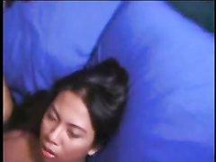 После глубокой глотки азиатку в любительском видео ждёт анальное удовольствие