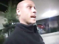Худая и рыжая проститутка в групповом видео обслуживает любимых клиентов