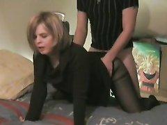 Зрелая француженка в чулках после минета для домашнего секса встала на карачки