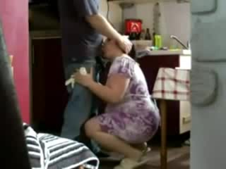 домохозяйка соблазнила рабочего скрытая камера
