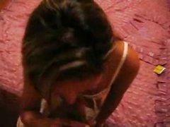 Турецкая проститутка в домашнем анальном видео трахается в узкую попу