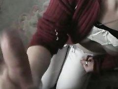 Молодая любовница дарит в жарком видео мастурбацию члена от первого лица