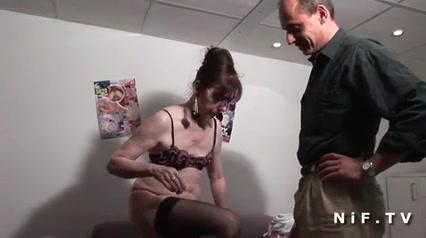 Зрелая французская пара любовников встретилась в анальном видео и задала жару