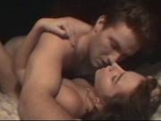 Влюблённая пара французов уединилась для домашнего секса в уютной постели